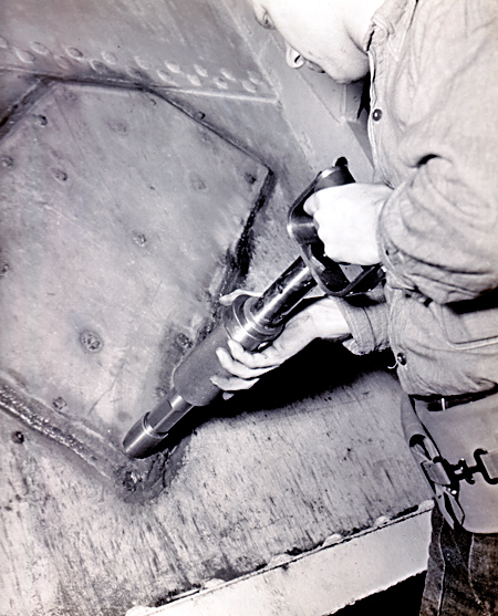 Crack in USS Ranger Repaired